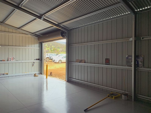 Gable Roof Eco Garage with Polished Concrete Floor