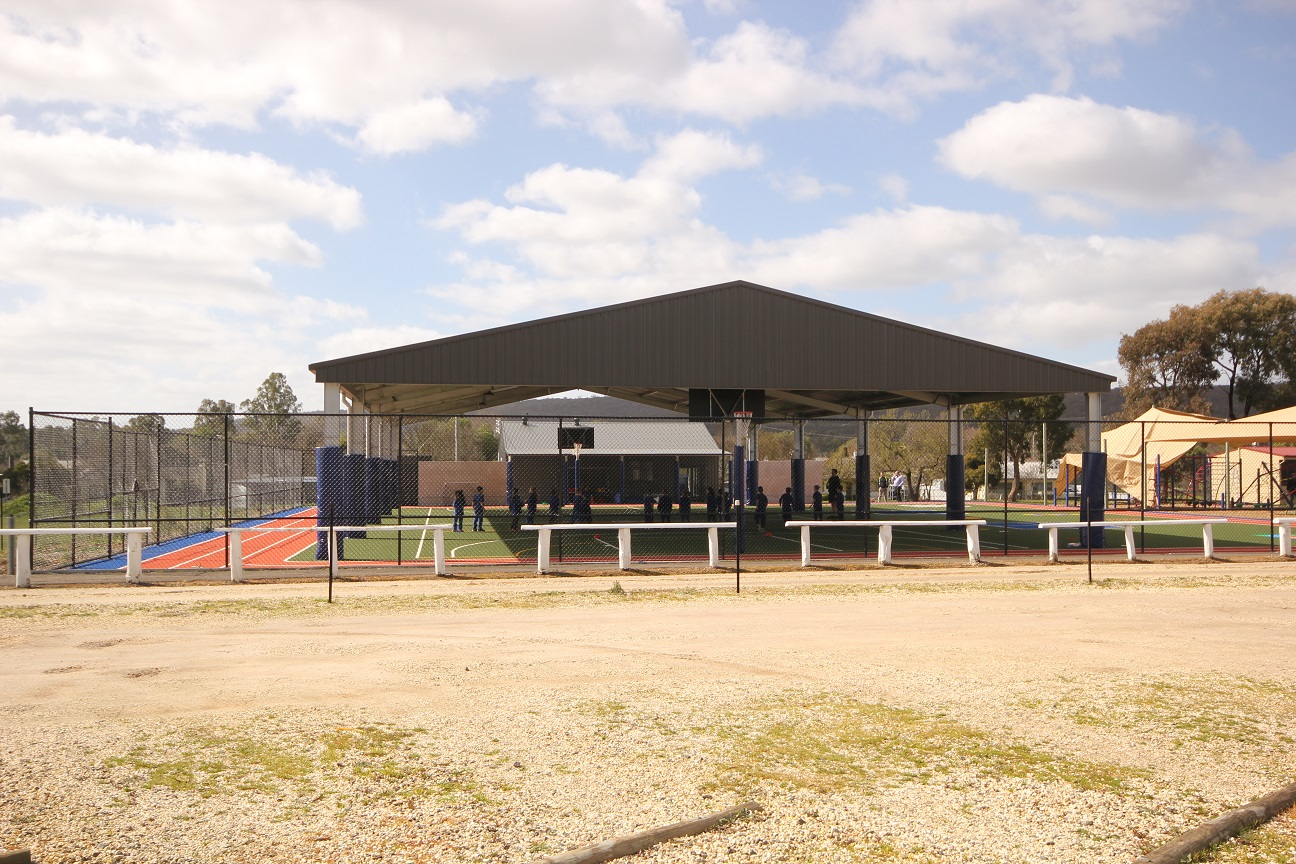30 x 18 x 4.5 Sports Arena Shelter with foam post protectors
